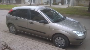 VENDO FORD FOCUS 1.6L AMBIENTE